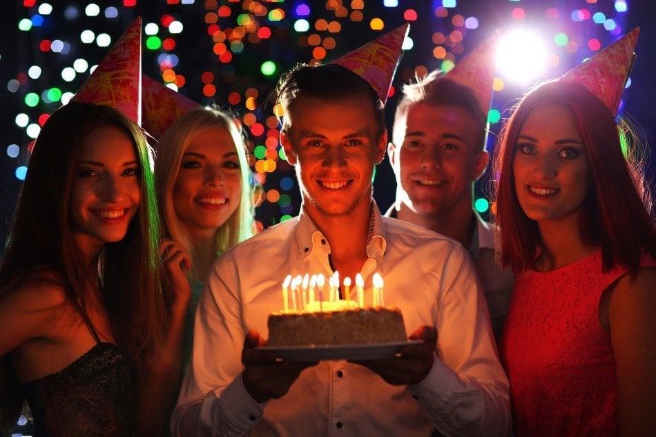 Fødselsdagsfest for de unge