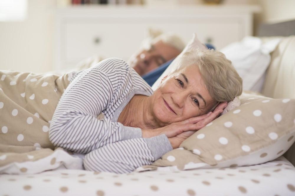 Senior par i deres seng
